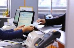 ارایه خدمات حضوری بانکها و موسسات اعتباری با رعایت طرح فاصلهگذاری اجتماعی در کیش
