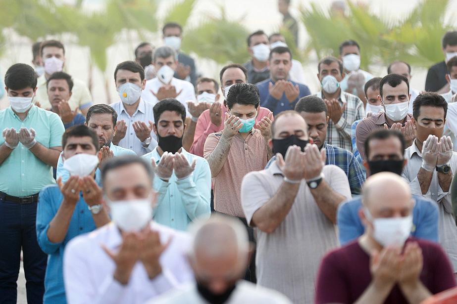 گزارش تصویری / نماز عید فطر شیعیان جزیره کیش